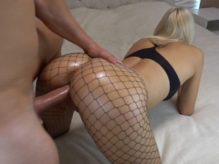Anal sex pain as he bangs a gorgeous